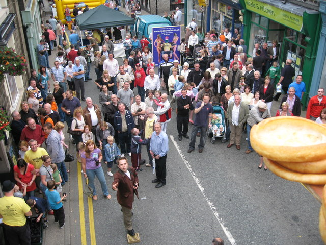 World_Black_Pudding_Throwing_Championship_Ramsbottom_2007_-_geograph.org.uk_-_551380